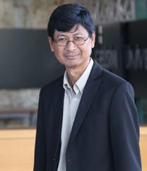 Prof.Dr. ANTON ABDULBASAH KAMIL